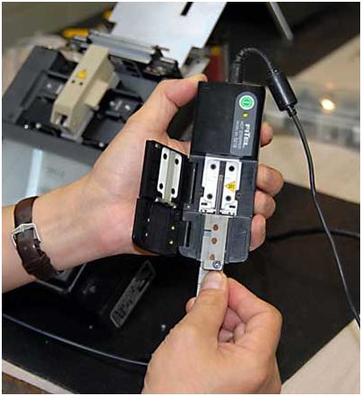 cách hàn nối với máy hàn cáp quang